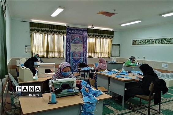 تولید ماسک و محلول ضدعفونی در مدارس فارس