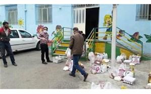 توزیع بستههای مواد غذایی و بهداشتی با کمک خیرین بین دانشآموزان با نیازهای ویژه