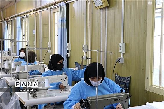 تولید ماسک در آموزشگاه ایثارگران ناحیه 4 مشهد