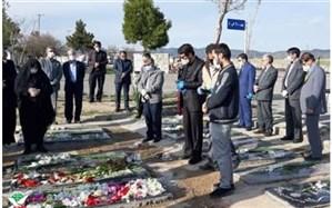 ادای احترام مسئولان به شهید مدافع سلامت استان زنجان