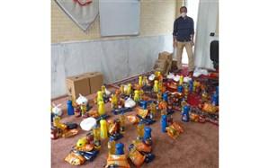 توزیع بستههای غذایی در آستانه  ماه مبارک رمضان در نی ریز