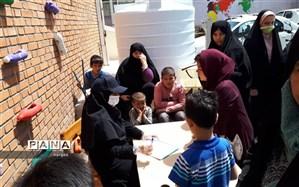 تمرین کمک به همنوع در  دبیرستان نرگس منطقه1
