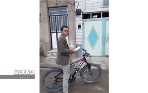 دوچرخه جزوهرسان آقا عبدالله، پای کار مقابله با کرونا