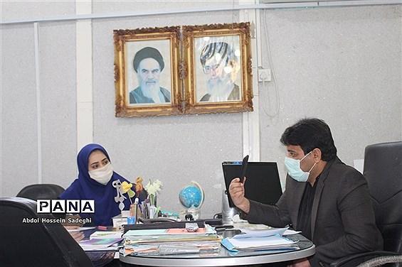 نشست هماندیشی کارکنان سازمان دانش آموزی استان بوشهر با محوریت تولید محتوا جهت شبکه آموزش دانش آموزی ( شاد )