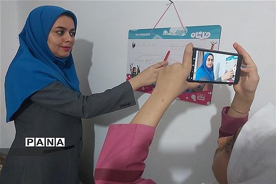 تداوم تلاش معلمان تهرانی برای تدریس در فضای مجازی