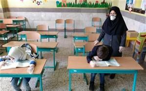 برگزاری کلاس درس معلم  آموزش و پرورش رباط کریم با رعایت فاصله گذاری  اجتماعی