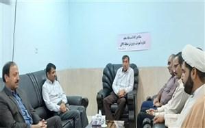 به مناسبت گرامیداشت هفته معلم   امام جمعه بخش کاکی با رئیس اداره آموزش و پرورش منطقه دیدار نمود