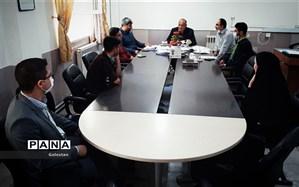 دیدار اعضای شورای دانش آموزی بندرگز با مدیر اداره آموزش و پرورش این شهرستان