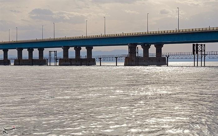 حجم آب دریاچه ارومیه از ۵ میلیارد متر مکعب فراتر رفت / وسعت دریاچه به ۳۲۰۹ کیلومتر مربع رسید