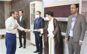 20  نفر از فرهنگیان شهرستان دیر تجلیل شدند