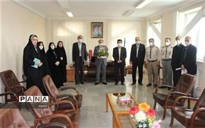 دیدار جمعی ازمربیان پیشتاز، نمایندگان مجلس و مجامع دانش آموزی با مدیرکل آموزش وپرورش استان اردبیل