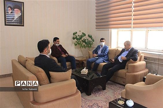 دیدار مدیرکل آموزش و پرورش آذربایجان شرقی با همکاران سازمان دانش آموزی استان
