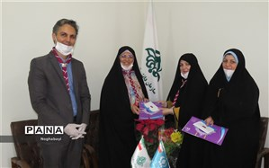 دیدار اولین بانوی مدیرسازمان دانش آموزی مناطق شهر تهران باهمکاران حوزه سازمان دانش آموزی منطقه 8