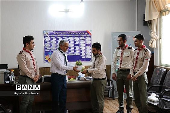 دیدار روسای سابق و فعلی، کارشناسان و دانشآموزان سازمان دانشآموزی نواحی مشهد با مدیرسازمان و تبریک سالروز تاسیس این نهاد