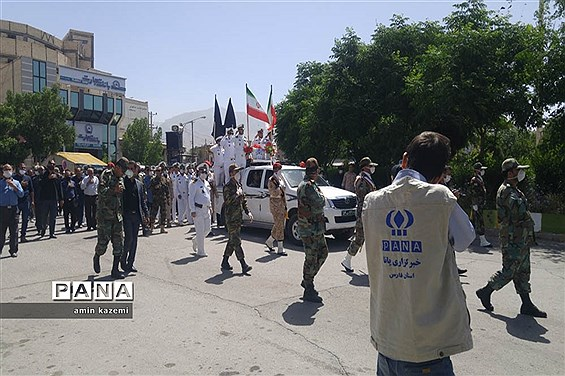 تشییع  ناوبان یکم شهید اسماعیل پور خسرو از شهدای ناو کُنارک در شهرستان داراب