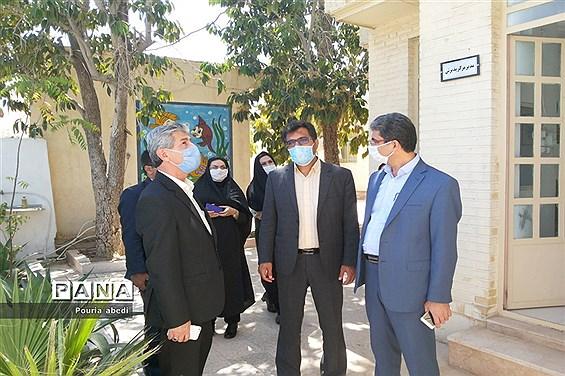 بازدید معاون پرورشی و فرهنگی ادارهکل آموزش و پرورش استان بوشهر از مرکز مشاوره مهر دانش آموزی شهرستان بوشهر