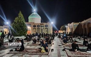 حضور با نشاط و چشمگیرنوجوانان در مراسم شب قدر  23 ماه رمضان کاشمر