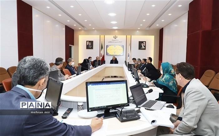 طراحی و گسترش انجمن های علمی در پژوهش سراها و افزایش پوشش تحصیلی حاشیه شهر در گلستان