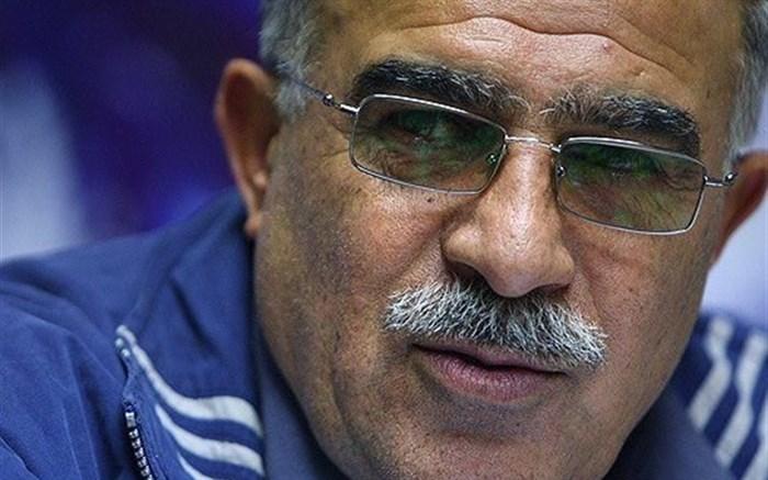 حسن روشن: ناصر حجازی هم زنده بود چیزی تغییر نمیکرد؛ از دست این فوتبال آرزوی مرگ میکنیم