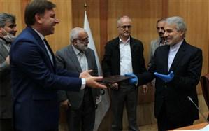 امضاء تفاهمنامه پروژه های جهش تولید در گیلان بین استانداری و سازمان برنامه و بودجه
