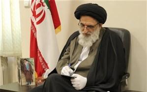 امام جمعه کرج: انحراف از خط امام مساوی با تمام شدن انقلاب است
