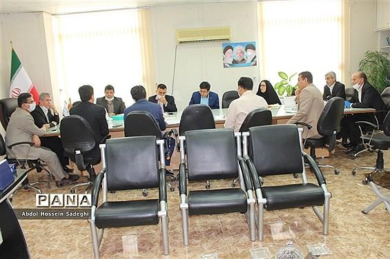 نشست کار گروه استانی لباس فرم دانشآموزی استان بوشهر
