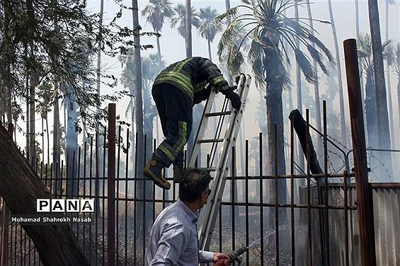 آتش سوزی در محوطه کارگاهی مترو و بخشی از پارک حجاب اهواز