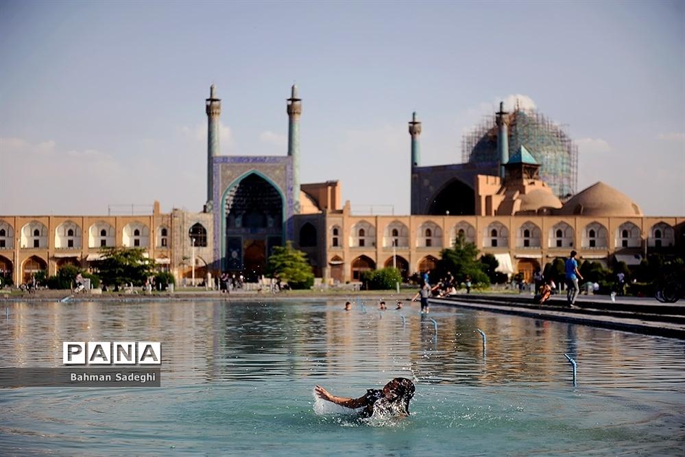 حال و هوای شهر اصفهان در روزهای کرونایی