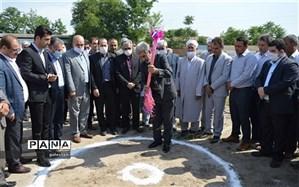 کلنگ زنی و عملیات اجرایی احداث یک باب مدرسه شش کلاسه در شهر تاتارعلیا شهرستان رامیان