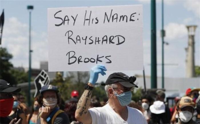 معترضان در بالتیمور مجسمه کریستف کلمب را سرنگون کردند
