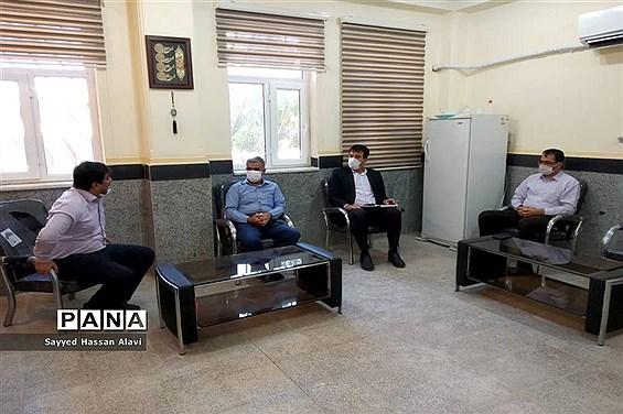 بازدید رئیس اداره ارزیابی عملکرد آموزش و پرورش استان بوشهر از شهرستان دشتی