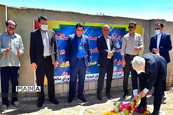آیین کلنگ زنی دو آموزشگاه جدید خیرساز در شهرستان امیدیه