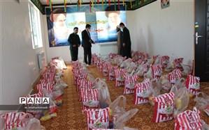 توزیع بسته معیشتی در میان دانش آموزان گروه هدف شهرستان
