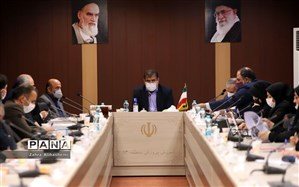 فولادوند: با  میانگین کشوری 24 نفر در هر کلاس، تهران 25 هزار نیرو نیاز دارد