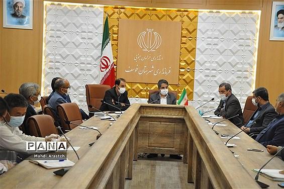 بررسی مشکلات کارخانه چدن توسط نماینده مردم بیرجند، خوسف و درمیان درمجلس شورای اسلامی
