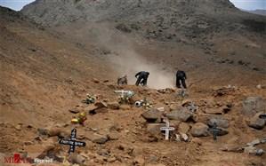 تصاویری از خاکسپاری جان باختگان کرونا