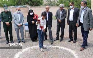کلنگ احداث مدرسه 2 کلاسه خیرساز در روستای سرخه شهرستان مرند به زمین زده شد