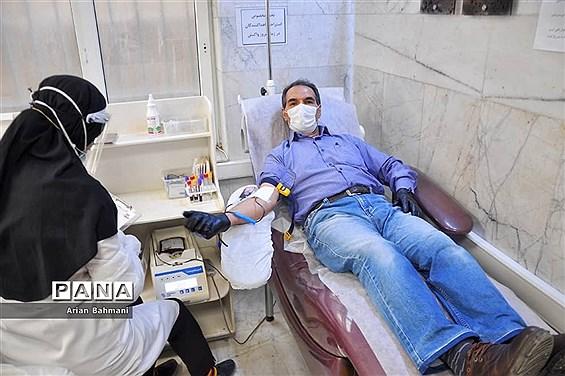 تداوم اهدای خون توسط مردم استان زنجان حتی در ایام کرونا