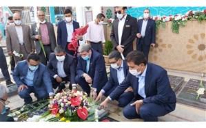 ادای احترام رئیس سازمان آموزش و پرورش استثنایی کشور به مقام شهید سپهبد حاج قاسم سلیمانی