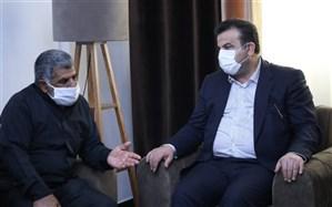 استاندار با خانواده شهید مدافع حرم سعید کمالی دیدار کرد
