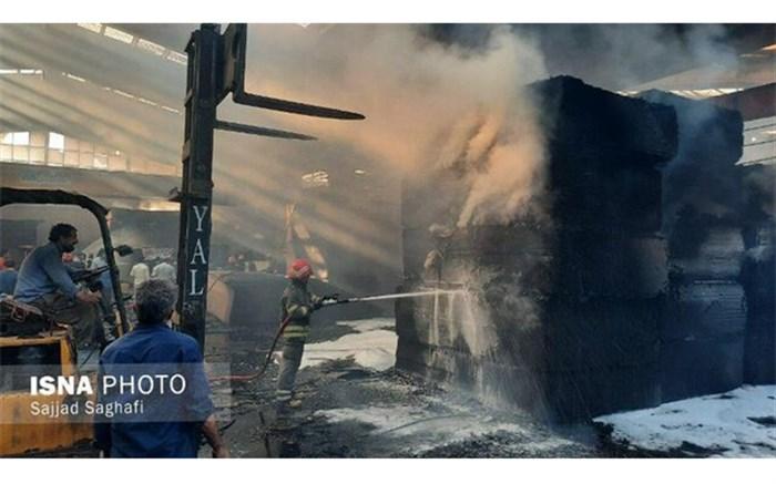 تصاویری از آتش سوزی کارخانه تولید درب ضدسرقت در سلماس