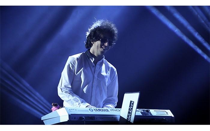 رضا تاجبخش: موسیقی در تمام دنیا به سمت بیکیفیت شدن میرود