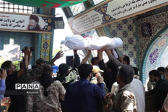 تشییع پیکر شهید مدافع حرم علی جمشیدی در نور