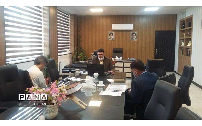 جلسه بررسی سرویس مدارس منطقه 12 با حضور شاه منصوری