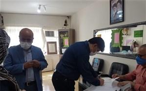 بازدید مدیر آموزش و پرورش اسلامشهر از روند اجرایی ثبت نام دانش آموزان