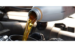 رونق بازار روغنهای تقلبی با افزایش قیمت روغنموتور خودروها