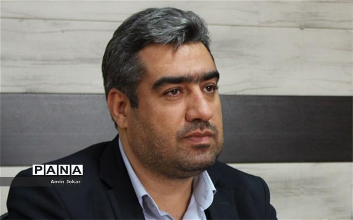 علیرضا قبادی معاون مالی و اداری سازمان دانش آموزی استان فارس