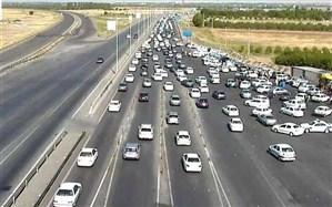 مسیرهای ورودی به سمت تهران پر ترافیک است