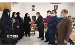 تکریم پرسنل سادات منطقه17  به مناسب فرارسیدن عید غدیر