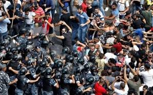 درگیری پلیس لبنان با تظاهرکنندگان؛ برخی وزارتخانه ها به دست معترضان تصرف شد + ویدئو